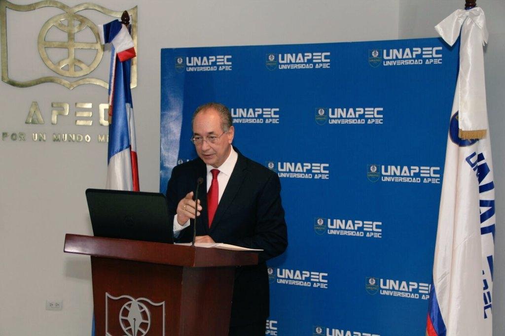 Luis Felipe Aquino es reconocido como el Personaje Turístico del año 2016
