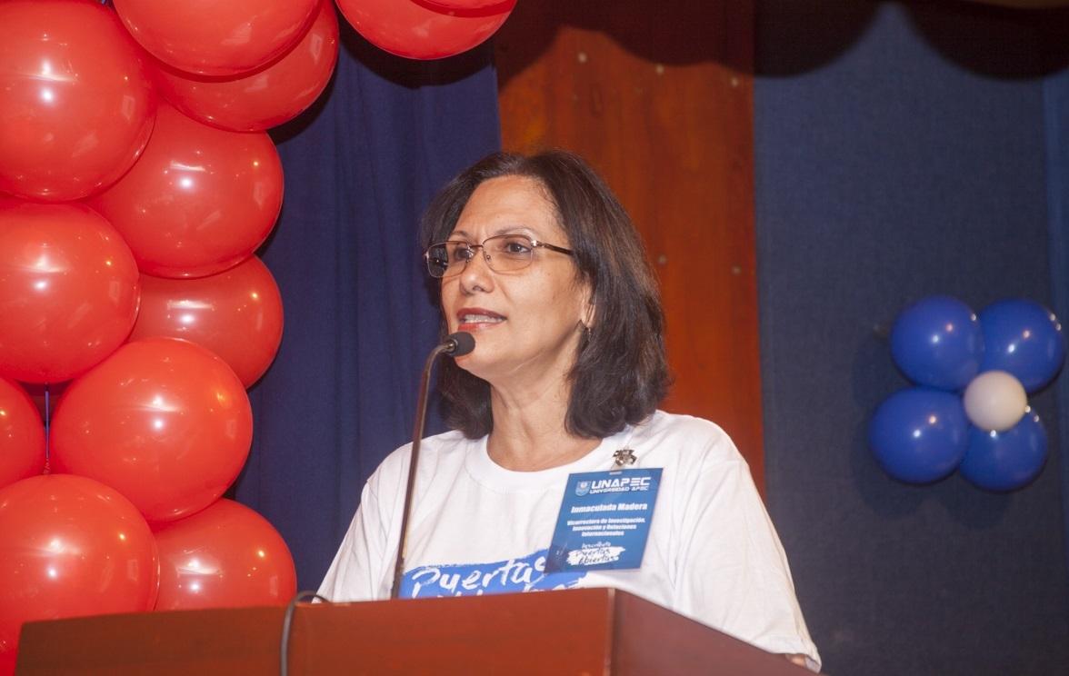 Vicerrectora de Investigación, Innovación y Relaciones Internacionales de UNAPEC, Doctora Luz Inmaculada Madera
