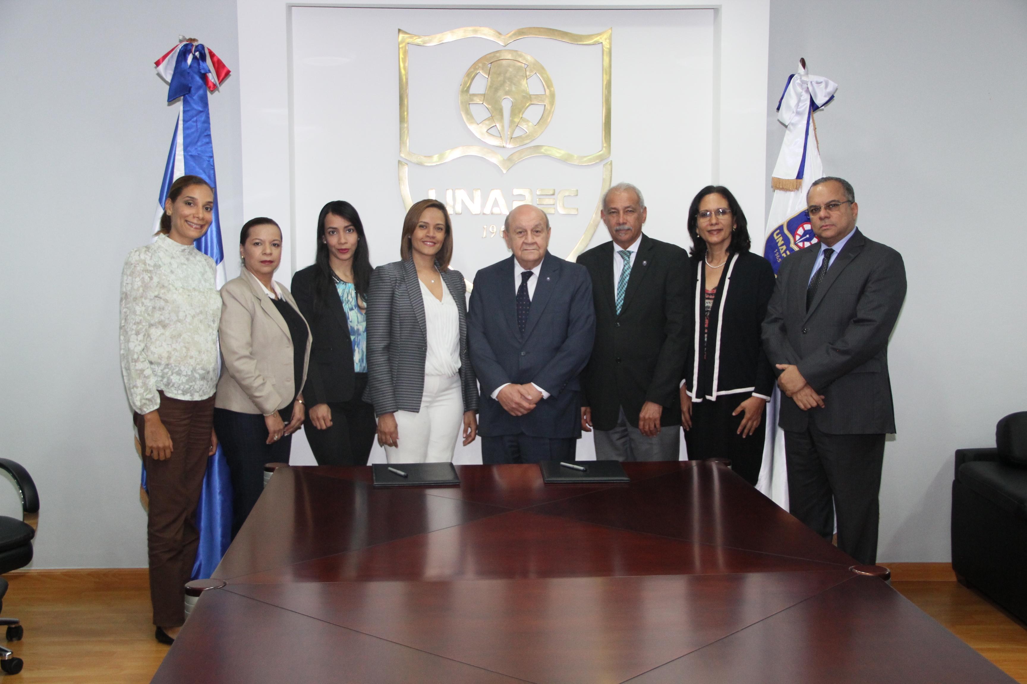 UNAPEC y UAF firman convenio interinstitucional